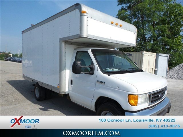 Pre-Owned 2007 Ford E-350SD Base