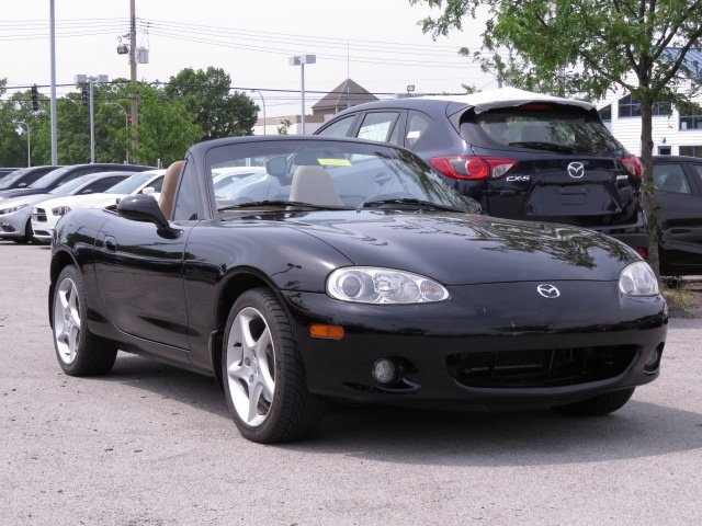 Pre-Owned 2002 Mazda Miata Base